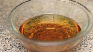 Đam Mê Ẩm Thực Sau-khi-hỗn-hợp-nước-mắm-ở-bước-1-đã-nguội-cho-từng-thìa-nhỏ-nước-cốt-chanh-nếm-và-cho-thêm-cho-đến-khi-vừa-khẩu-vị-và-khuấy-đều