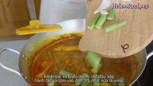 Đam Mê Ẩm Thực Sau-khi-khoai-và-bí-đỏ-mềm-cho-Đậu-bắp-Hành-tây-Tôm-vào-và-đun-sôi-trong-3-5-phút2