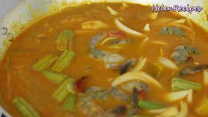 Đam Mê Ẩm Thực Sau-khi-khoai-và-bí-đỏ-mềm-cho-Đậu-bắp-Hành-tây-Tôm-vào-và-đun-sôi-trong-3-5-phút4