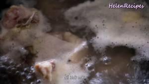 Đam Mê Ẩm Thực Sau-khi-nước-đã-sôi-cho-đuôi-bò-3-nhánh-Gừng-đập-dập-1-tbsp-Rượu-trắng-khử-mùi-vào-và-đun-trong-5-10-phút4