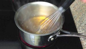 Đam Mê Ẩm Thực Sau-khi-nước-sôi-thêm-18-cup-Nước-mắm-và-khuấy-đều-Nếm-và-cho-thêm-cho-đến-khi-vừa-khẩu-vị-sau-đó-để-sôi-vài-phút-cho-bớt-mùi4