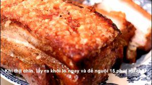 Đam Mê Ẩm Thực Sau-khi-nướng-xong-lấy-miếng-thịt-heo-ra-khỏi-lò-ngay-và-để-nguội-15-phút-rồi-chặt