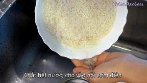 Đam Mê Ẩm Thực Sau-khi-ngâm-xong-chắt-hết-nước-và-cho-vào-nồi-cơm-điện2