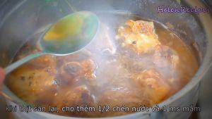 Đam Mê Ẩm Thực Sau-khi-thịt-săn-lại-cho-thêm-Nước-hoặc-nước-dừa-Nước-mắm.-Đun-sôi-đậy-nắp-nấu-ở-lửa-vừa-trong-20-25-phút-cho-sườn-mềm2