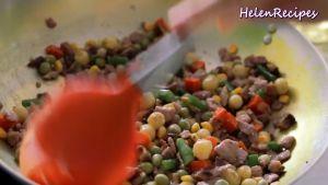 Đam Mê Ẩm Thực Thêm-1-cup-Rau-củ-đậu-đũa-cà-rốt-ngô-thái-hạt-lựu-12-số-hạt-sen-1-tsp-Bột-nêm-đã-luộc-và-đảo-đều5