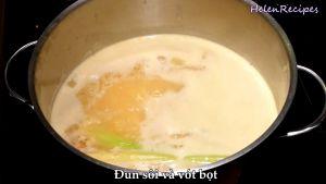 Đam Mê Ẩm Thực Thêm-3-củ-sả-nước-cốt-dừa-nước-lãnước-dùng-gà-vào-nồi-đun-sôi-và-dùng-rây-vớt-bọt4