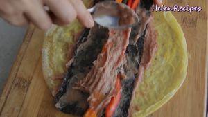 Đam Mê Ẩm Thực Thêm-Cà-rốt-Đậu-đũa-ớt-chuông-đỏ-và-quết-thêm-1-lớp-giò-sống-nữa-để-kết-dính-các-nguyên-liệu-với-nhau2