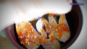 Đam Mê Ẩm Thực Thêm-hạt-tiêu-vào-nồi-cá-và-láng-đều