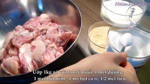 Đam Mê Ẩm Thực Thêm-muối-đường-hạt-nêm-bột-cà-ri-hạt-tiêu-vào-bát-trộn-đều-và-ướp-30-phút-hoặc-qua-đêm-trong-tủ-lạnh