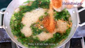 Đam Mê Ẩm Thực Thêm-nước-nắm-và-đường-đã-hòa-tan-trong-bát-nhỏ-ớt-bột-hoặc-tương-ớt2