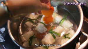 Đam Mê Ẩm Thực Thêm-vài-lát-cà-rốt-12-củ-hành-tây-cho-ngọt-và-trong-nước-vào-nồi-rồi-đun-trong-5-phút-ở-lửa-nhỏ-cho-chín-thỉnh-thoảng-dùng-rây-vớt-bọt