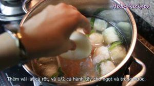 Đam Mê Ẩm Thực Thêm-vài-lát-cà-rốt-12-củ-hành-tây-cho-ngọt-và-trong-nước-vào-nồi-rồi-đun-trong-5-phút-ở-lửa-nhỏ-cho-chín-thỉnh-thoảng-dùng-rây-vớt-bọt2