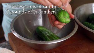 Đam Mê Ẩm Thực Xát-2-tbsp-muối-đều-vào-từng-quả-dưa-chuột2