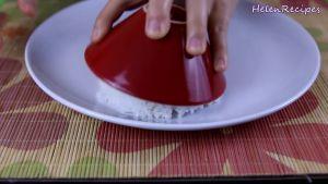 Đam Mê Ẩm Thực Xới-cơm-vào-bát-tạo-khuôn-và-cho-cơm-ra-đĩa2