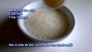Đam Mê Ẩm Thực cho-giấm-muối-vào-bát-nhỏ-và-trộn-đều2