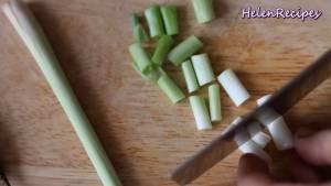 Đam Mê Ẩm Thực u-hành-trắng-Sả-Tỏi-Hành-Ớt-thái-nhỏ-và-cho-vào-máy-xay-với-tôm-hoặc-giã-nhuyễn-dammeamthuc.com_