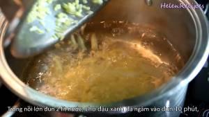 Đam Mê Ẩm Thực Đun-sôi-2-lít-Nước-Nước-trong-nồi-lớn-nồi-khác-cho-Đậu-xanh-đã-ngâm-dammeamthuc.com_