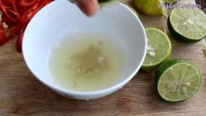 Đam Mê Ẩm Thực Cắt-đôi-vắt-lấy-nước-4-quả-chanh2