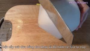 Đam Mê Ẩm Thực Chặt-nắp-2-quả-Dừa-Xiêm-giữ-lại-nắp.-Cho-Nước-dừa-ra-bát-riêng-trong-15-phút-cho-lắng-cặn-dammeamthuc.com_