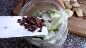 Đam Mê Ẩm Thực Cho-Ổi-Ô-mai-xí-muội-chua-ngọt-1-tsp-Ớt-bột-2-3-tsp-Muối-vào-hộp-hoặc-túi-nilon-và-xóc-đều.-Để-ngăn-mát-trong-15-phút-và-hoàn-thành