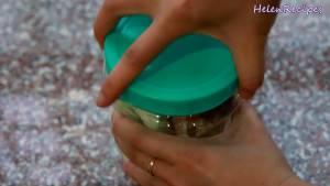 Đam Mê Ẩm Thực Cho-Ổi-Ô-mai-xí-muội-chua-ngọt-1-tsp-Ớt-bột-2-3-tsp-Muối-vào-hộp-hoặc-túi-nilon-và-xóc-đều.-Để-ngăn-mát-trong-15-phút-và-hoàn-thành3