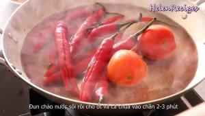 Đam Mê Ẩm Thực Cho-Ớt-Cà-chua-vào-chảo-nước-sôi-trần-trong-2-3-phút-dammeamthuc.com_