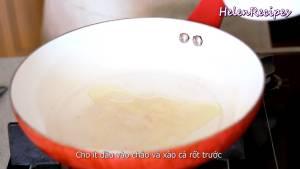 Đam Mê Ẩm Thực Cho-1-tbsp-Dầu-ăn-vào-chảo-nóng-và-láng-đều