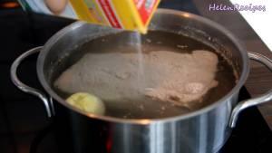 Đam Mê Ẩm Thực Cho-100g-Thịt-Heo-ba-chỉ-vào-nồi-luộc-Hành-tây-Hành-tím-1-tsp-Muối-12-tsp-Hạt-tiêu-trong-25-40-phút3
