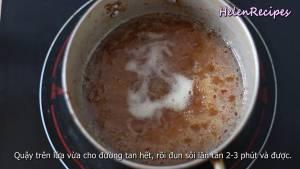 Đam Mê Ẩm Thực Cho-12-cup-Nước-mắm-75g-Đường-vào-nồi-và-khuấy-đều.-Đun-với-lửa-nhỏ-cho-đến-khi-tan-đun-sôi-lăn-tăn-trong-2-3-phút4-dammeamthuc.com_