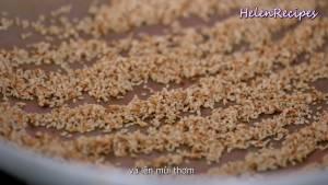 Đam Mê Ẩm Thực Cho-2-củ-Tỏi-Ớt-vào-cối-và-giã-nhuyễn2