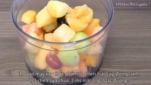 Đam Mê Ẩm Thực Cho-2-cup-Trái-cây-cắt-miếng-nhỏ-để-đông-trong-ngăn-đá-Dâu-tây-Đào-Đu-đủ-Dứa-Vải-...-tùy-thích-vào-máy-xay-dammeamthuc.com_