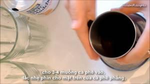 Đam Mê Ẩm Thực Cho-3-4-tsp-Bột-cà-phê-vào-phin-lặc-nhẹ-phin-cho-Bột-cà-phê-được-trải-đều2-dammeamthuc.com_