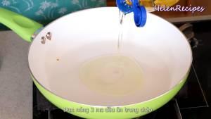 Đam Mê Ẩm Thực Cho-3-tbsp-Dầu-ăn-vào-chảo-và-đun-nóng-với-lửa-vừa-dammeamthuc.com_