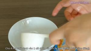 Đam Mê Ẩm Thực Cho-4-tbsp-Nước-lạnh-vào-vào-rắc-9g-bột-Gelatin-và-để-5-phút-cho-nở-dammeamthuc.com_