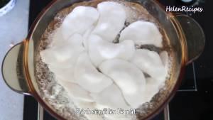 Đam Mê Ẩm Thực Cho-Bánh-Bột-Lọc-vào-luộc-với-nước-sôi-nhẹ-trong-nồi3-dammeamthuc.com_