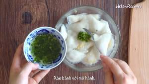 Đam Mê Ẩm Thực Cho-Bánh-Bột-lọc-ra-bát-thêm-Mỡ-hành-và-xóc-đều-dammeamthuc.com_