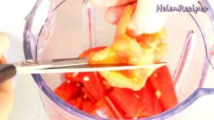 Đam Mê Ẩm Thực Cho-Cà-chua-cắt-nhỏ-Ớt-cắt-nhỏ-12-cup-Nước-vào-máy-và-xay-nhuyễn3-dammeamthuc.com_