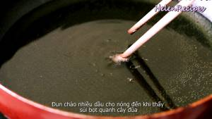 Đam Mê Ẩm Thực Cho-Dầu-vào-chảo-và-đun-nóng-già-dammeamthuc.com_