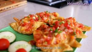Đam Mê Ẩm Thực Cho-Há-cảo-Hoành-Thánh-ra-đĩa-rưới-đều-sốt-chua-ngọt-hạt-tiệu-và-dùng-với-vài-cốc-bia3