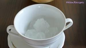 Đam Mê Ẩm Thực Cho-Vải-Nhãn-Nước-đường-Hạt-hạnh-nhân-Khúc-bạch-vài-viên-đá-vào-cốc-và-hoàn-thành2-dammeamthuc.com_