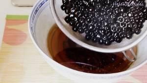 Đam Mê Ẩm Thực Cho-hạt-Trân-Châu-vào-ngâm-với-hỗn-hợp-nước-đường-ở-bước-2-dammeamthuc.com_