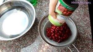 Đam Mê Ẩm Thực Cho-hộp-400g-Đậu-đỏ-ra-rây-xả-với-nước-lạnh-vài-lần2-dammeamthuc.com_