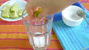 Đam Mê Ẩm Thực Cho-vào-cốc-5-6-tsp-Đường-tùy-khẩu-vị-Nước-cốt-chanh-Soda-và-khuấy-cho-đến-khi-tan-đường.-Nêm-nếm-lại-cho-vừa-khẩu-vị2-dammeamthuc.com_