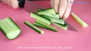 Đam Mê Ẩm Thực Loại-bỏ-ruột-dưa-chuột-bổ-dọc-và-cắt-sợi-màu-xanh3