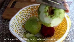 Đam Mê Ẩm Thực Loại-bỏ-vỏ-hạt-ổi-và-cắt-miếng-vừa-ăn2