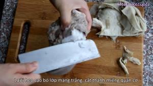 Đam Mê Ẩm Thực Luõi-heo-loại-bỏ-lớp-màng-trắng-thái-thành-miếng-vừa-ăn