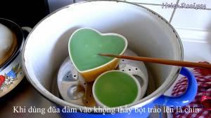 Đam Mê Ẩm Thực Quết-chút-Dầu-ăn-lên-mặt-khuôn-cho-khuôn-vào-nồi-hấp-cách-thủy6-dammeamthuc.com_