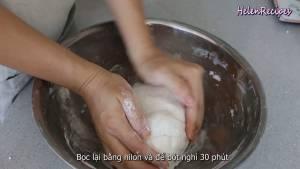 Đam Mê Ẩm Thực Sau-khi-nhào-xong-phủ-kín-lớp-bột-bằng-màng-bọc-thực-phẩm2-dammeamthuc.com_