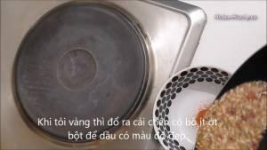 Đam Mê Ẩm Thực Sau-khi-tỏi-vàng-cho-hỗn-hợp-tỏi-ra-bát-thêm-1-tsp-Ớt-bột-và-trộn-đều-để-lên-màu-cho-đẹp-dammeamthuc.com_