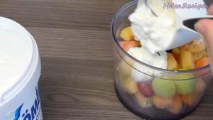 Đam Mê Ẩm Thực Thêm-23-cup-Sữa-chua-bỏ-phần-nước-thừa-nếu-có-2-tbsp-Mật-ong-và-xay-nhuyễn-dammeamthuc.com_